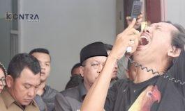 Diacuhkan Pengunjuk Rasa, Ketua DPRD Batu Bara Mengaku tak Cuek